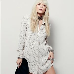 ✨FREE PEOPLE✨This Town Button Down Dot Dress
